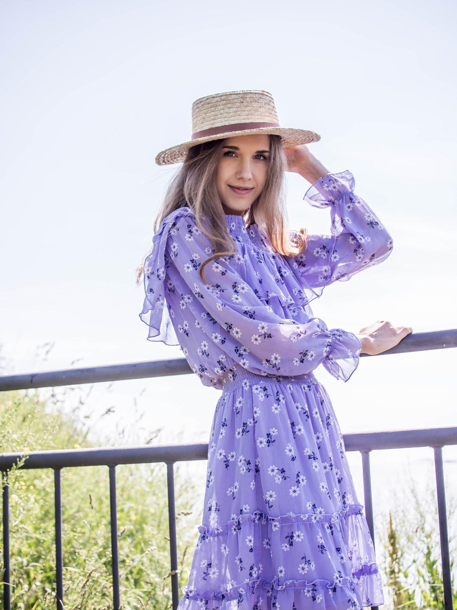 Fashion blogger summer outfit inspiration - Kesämuoti, bloggaaja, asuinspiraatio, kukkamekko
