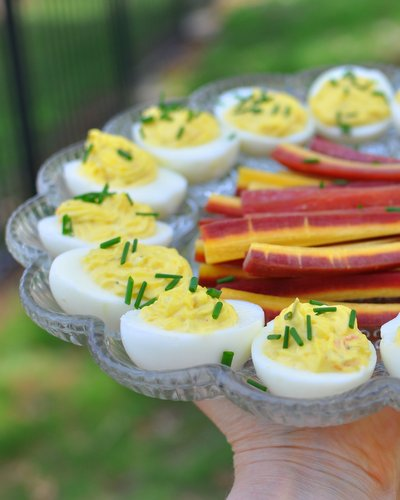 Estonian Deviled Eggs ♥ KitchenParade.com, ultra-smooth and ultra-creamy with a buttery filling.