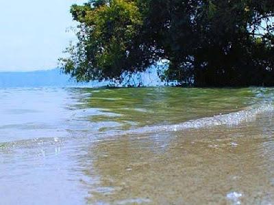 pantai bebas sukkean samosir