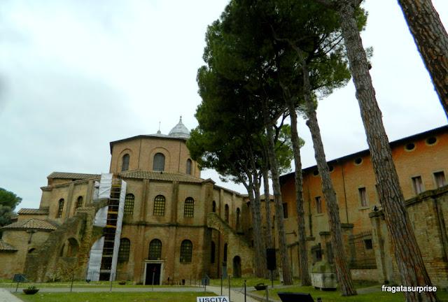 Fachada da Basílica de San Vitale, em Ravena, Itália