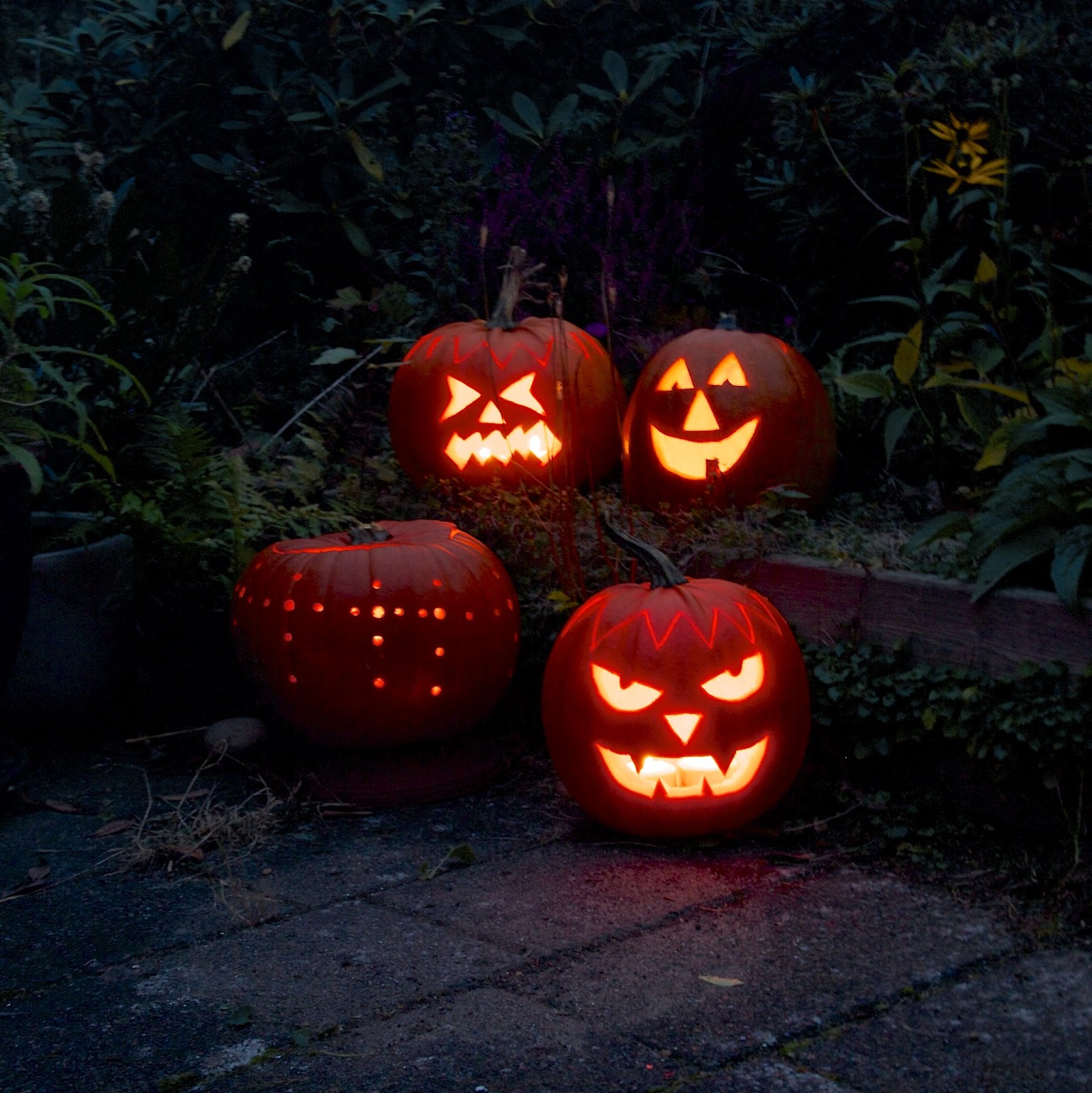 HYGGE - pumpkin carving- the hygge journal