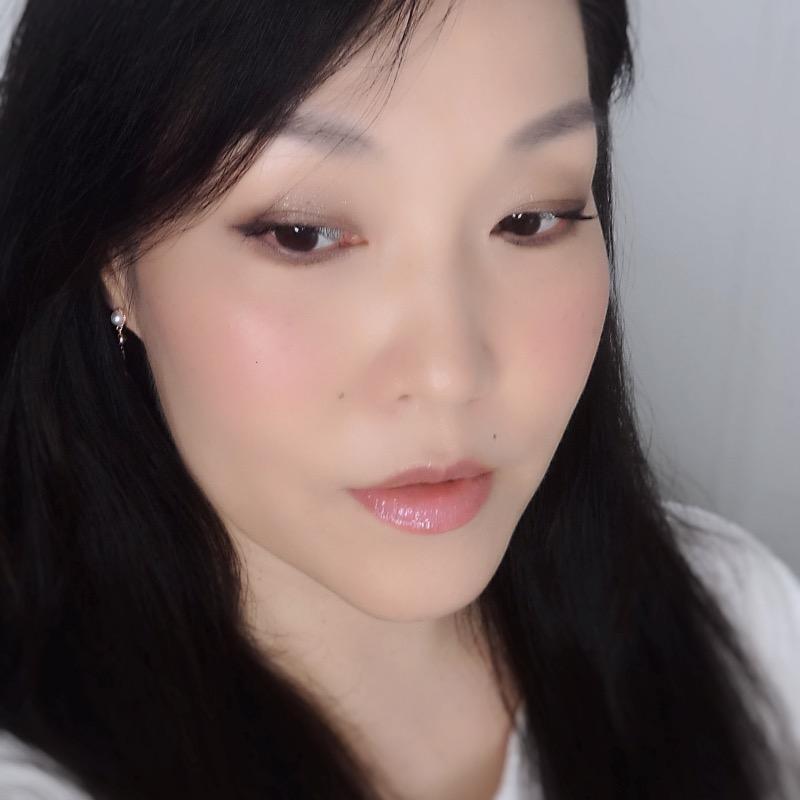 soft pinky nude makeup look