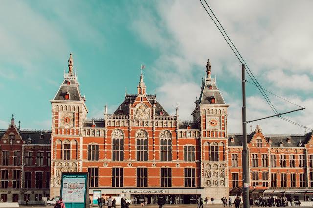 Amsterdam Tren İstasyonu, Amsterdam Centraal