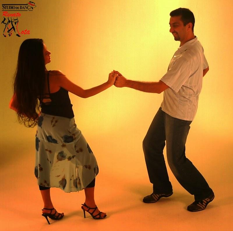 Vídeo aula de dança Zouk. Aprenda a Dançar com Renato Mota