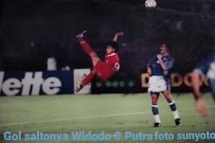 24 Tahun Lalu Gol Dengan Saltonya Di Piala AFC. Widodo C Putra : Doa Yang Terjawab