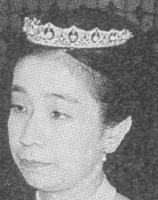 pearl drop tiara princess mikasa japan masako yuriko