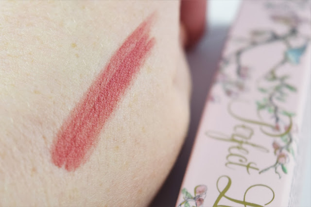 Too Faced Perfect Lips Liner in Perfect Pink swatch