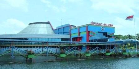 Permalink ke Taman Wisata Akuarium Air Tawar Jakarta, Tempat Favorit Liburan Keluarga