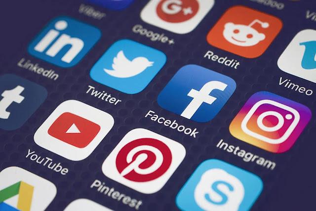 Συστάσεις από το υπουργείο Ψηφιακής Διακυβέρνησης: Περιορίστε τα social media για να αντέξουν τα δίκτυα