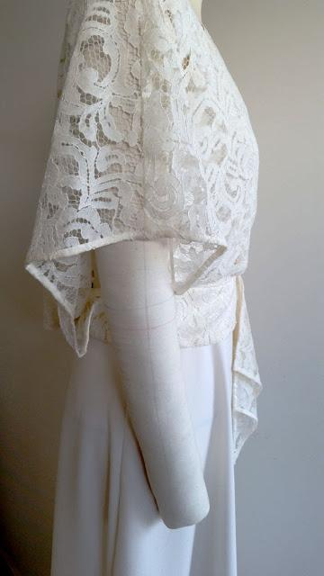 robe de mariage sur mesure par couturière modéliste à Versailles