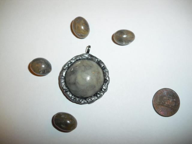 Lynzcraftz designz simple bezel set polymer clay pendants mozeypictures Gallery