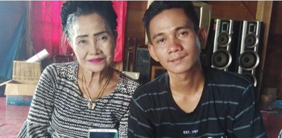Menjanda 13 Kali, Nenek 56 Tahun Ini Akhirnya Dinikahi Brondong Muda.