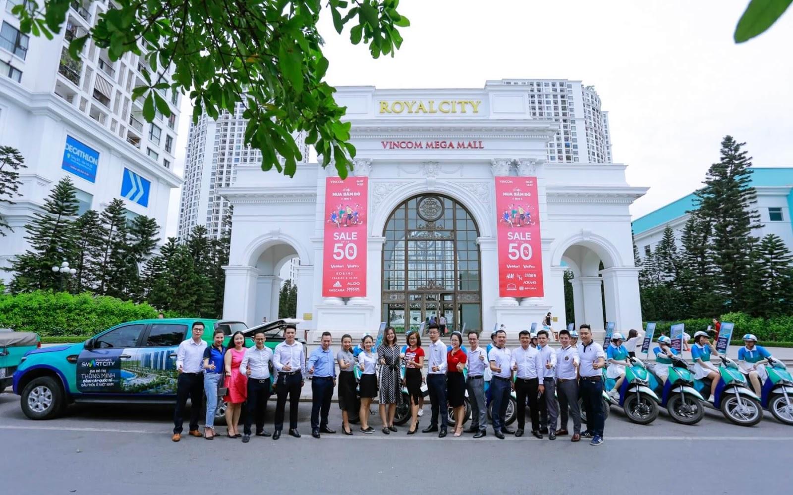 Đội ngũ lãnh đạo các đại lý bán hàng Vinhomes Smart City