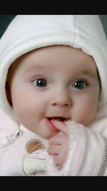 cute baby photos with a smile