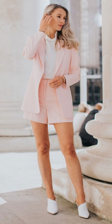 Blazers one of those important wardrobe staples that everyone should have. See these 22 Catchy Blazer Outfits to Stand Out from The Crowd. Coat + Jacket Outfits via higiggle.com | soft pink blazer with shorts| #blazer #jacket #casualoutfits