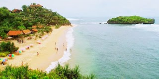 Menyusuri Pantai Selatan Kabupaten Gunung Kidul