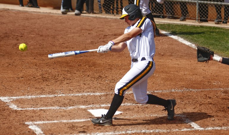 how to become a better slow pitch softball hitter