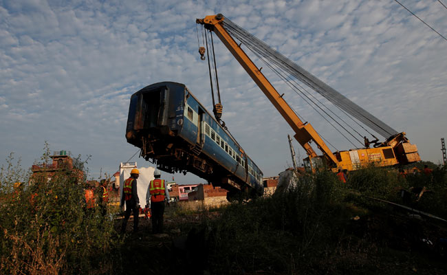 train derailment, indian railways, Suresh prabhu, railways, compensation,