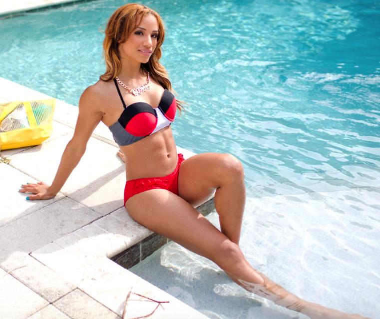WWE SUPERSTAR NUDES - Sasha Banks