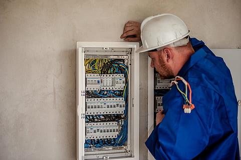 مشروع شركة خاصة في مجال الكهرباء