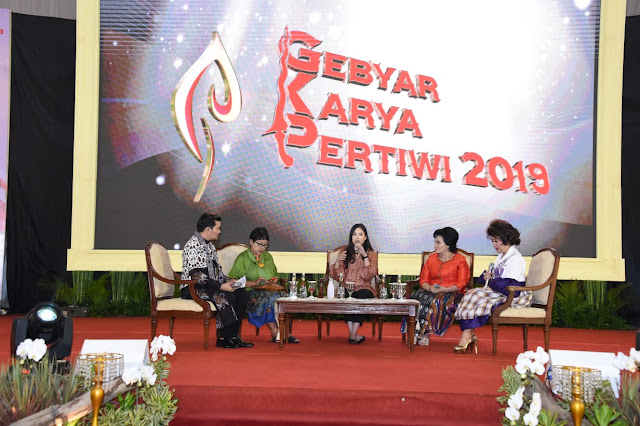 Ketum Dharma Pertiwi Ikuti Talkshow Industri Kreatif