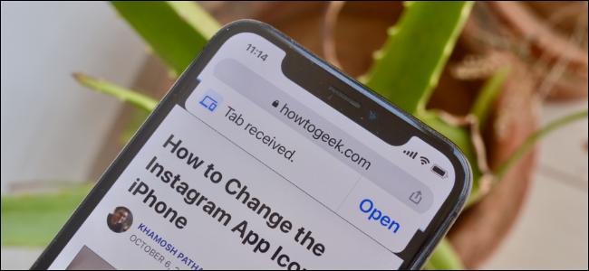 يقوم مستخدم Chrome بنقل علامات التبويب بين iPhone و iPad و Mac