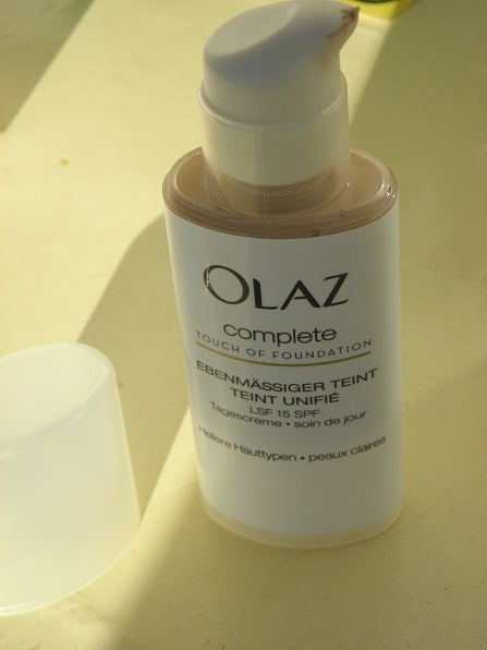 Glam Shine Beautyblog Olaz Complete Touch Of Foundation