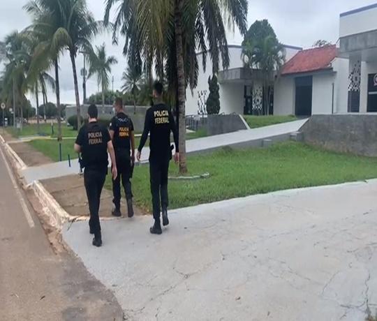 PF deflagra operação contra organização criminosa acusada de tráfico internacional