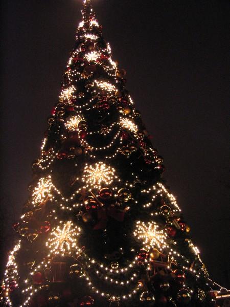 20%2BDIY%2BModern%2BChristmas%2BTree%2BDecorations%2Bfor%2BInspiring%2BWinter%2BHolidays%2B%25287%2529 20 DIY Trendy Christmas Tree Decorations for Inspiring Iciness Vacations Interior
