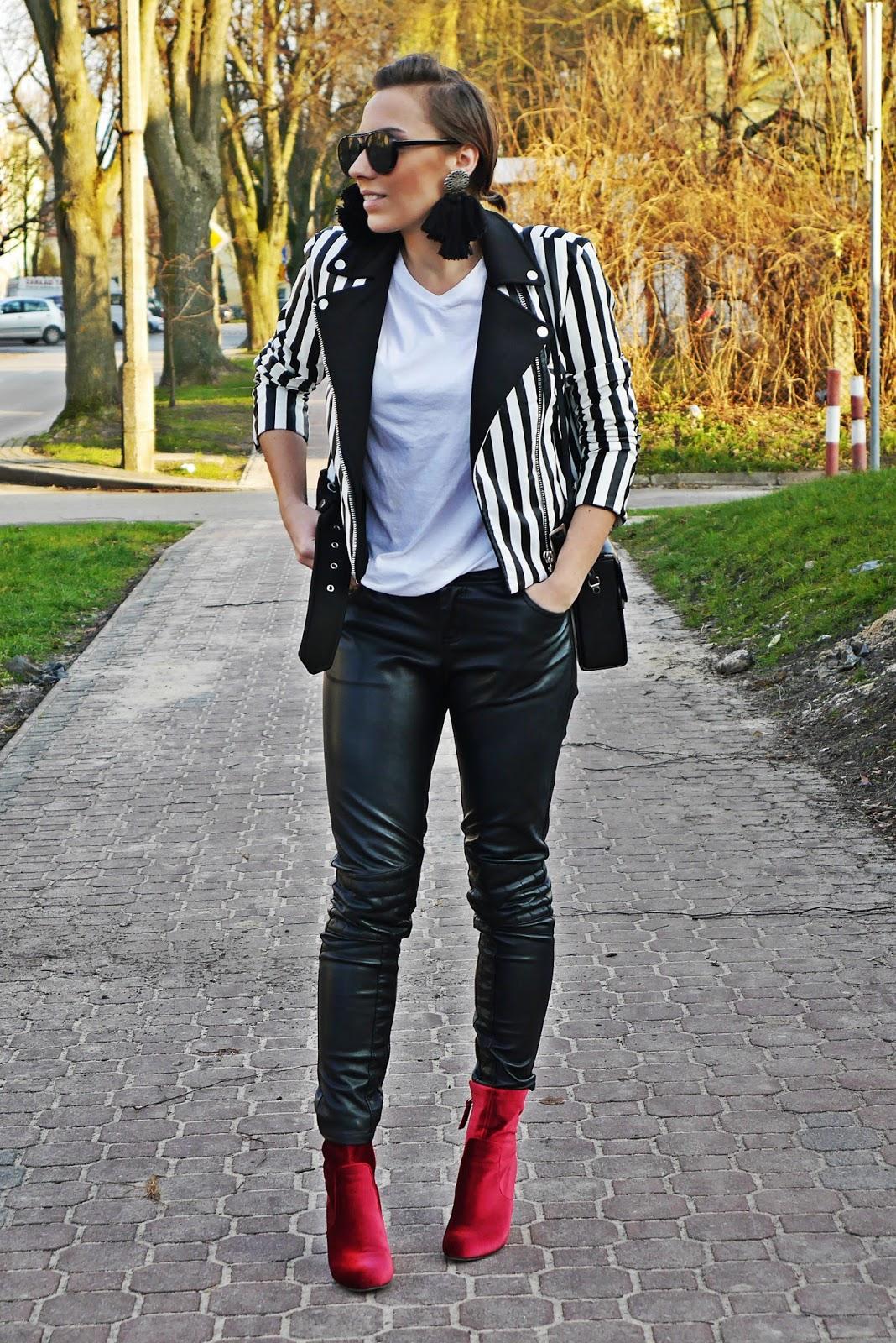 1_leather_pants_stripes_biker_jacket_red_velvet_white_tshirt_karyn_blog_modowy_111217a