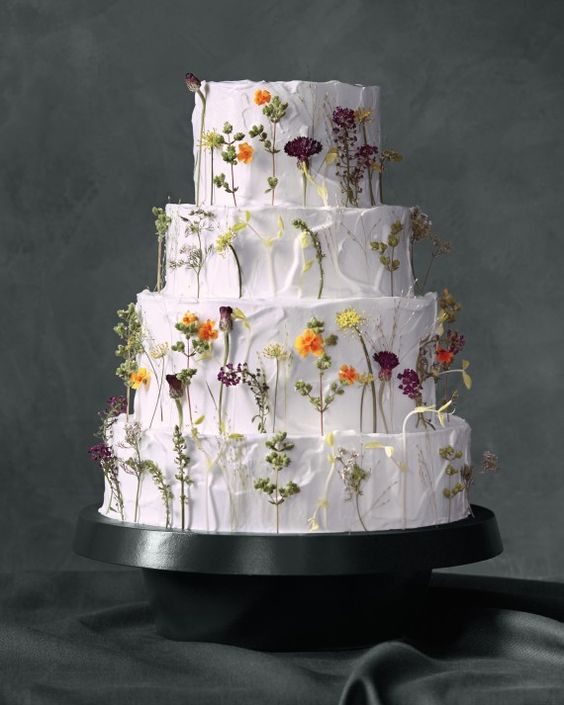 Wedding Cake Trends 2020.Edible Pressed On Flowers Is The Best Wedding Cake Trends Of