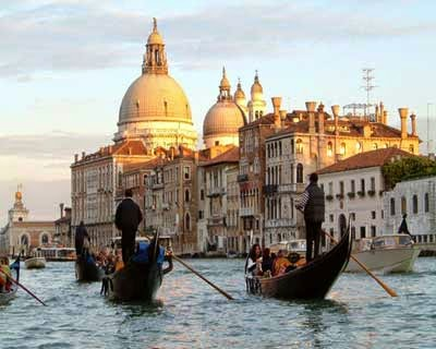 cenas ne botes en venecia