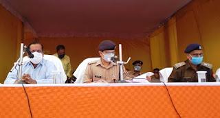 बूथ पर जितनी मजबूती से पुलिस बल खड़े रहेंगे उतना ही सही चुनाव होगा : DM Jaunpur | #NayaSaberaNetwork