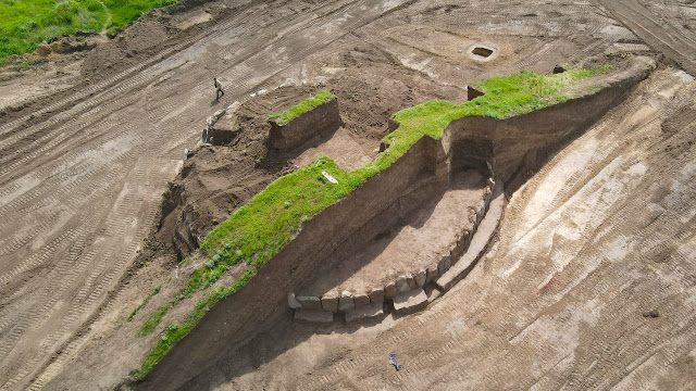5,500-Year-Old Burial Mound With Stone Circle Unearthed In Ukraine