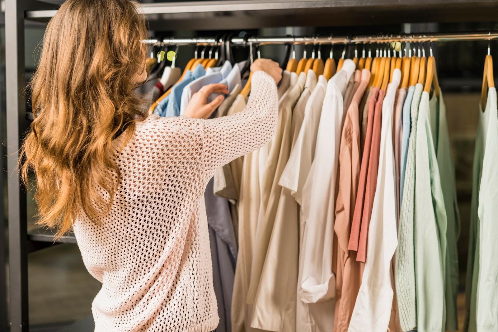 Como comprar roupas de forma inteligente e economizar ao máximo anadodia ana do dia se vestir bem pagando pouco