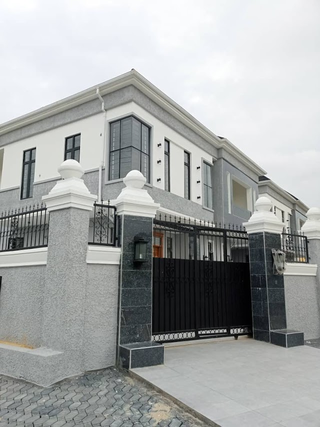 Newly built 5 Bedroom Fully Detached Duplex With A Swimming Pool