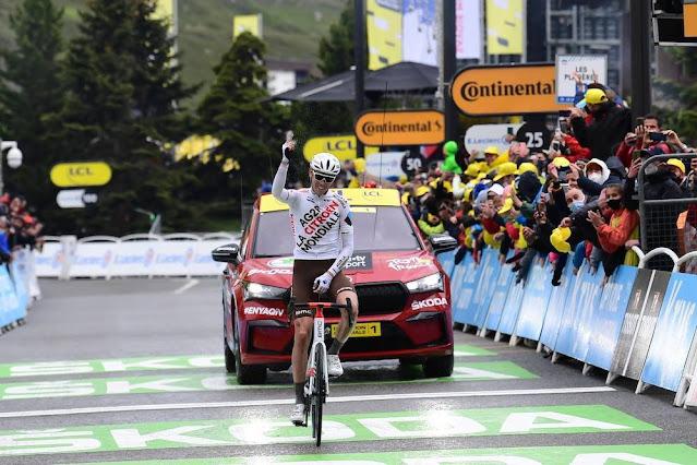 Ben O'Connor sobe para segundo lugar na geral do Tour de France
