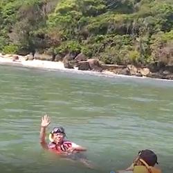 Snorkeling Di Pantai Pangandaran