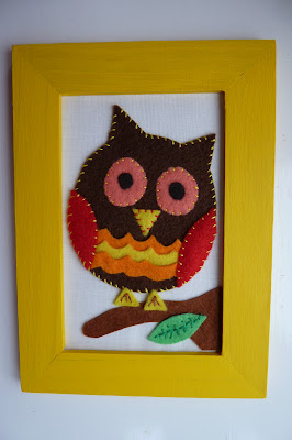 Felt owl framed picture