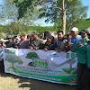Camat Bersama wakil ketua DPRD Kabupaten Dompu Tanam 10000 Pohon Durian