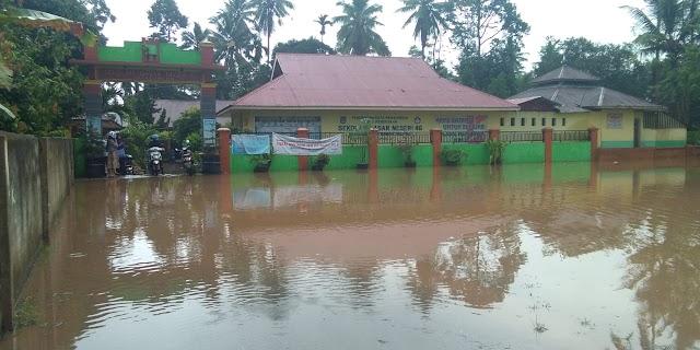 Waterlogging Di SDN 46 Payakumbuh, Pemko Upayakan Jalan Keluar Segera