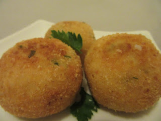 Rice balls with mozzarella