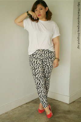 plain white tee, styling white shirt, pairing printed pants, H&M, edgy look, fashion statement, plus size fashion, casual style, ootd, sunday style showdown