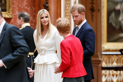 """El príncipe Enrique se mantiene alejado de Trump tras el comentario """"desagradable"""" sobre su esposa Meghan"""