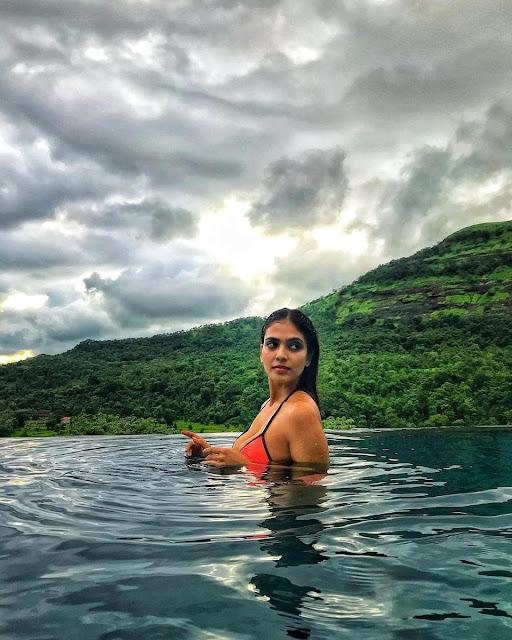Malavika Mohanan  (Indian Actress) Wiki, Age, Height, Family, Career, Awards, and Many More...