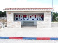 grafit HAJDUK autobusna stanica Gornji Humac slike otok Brač Online