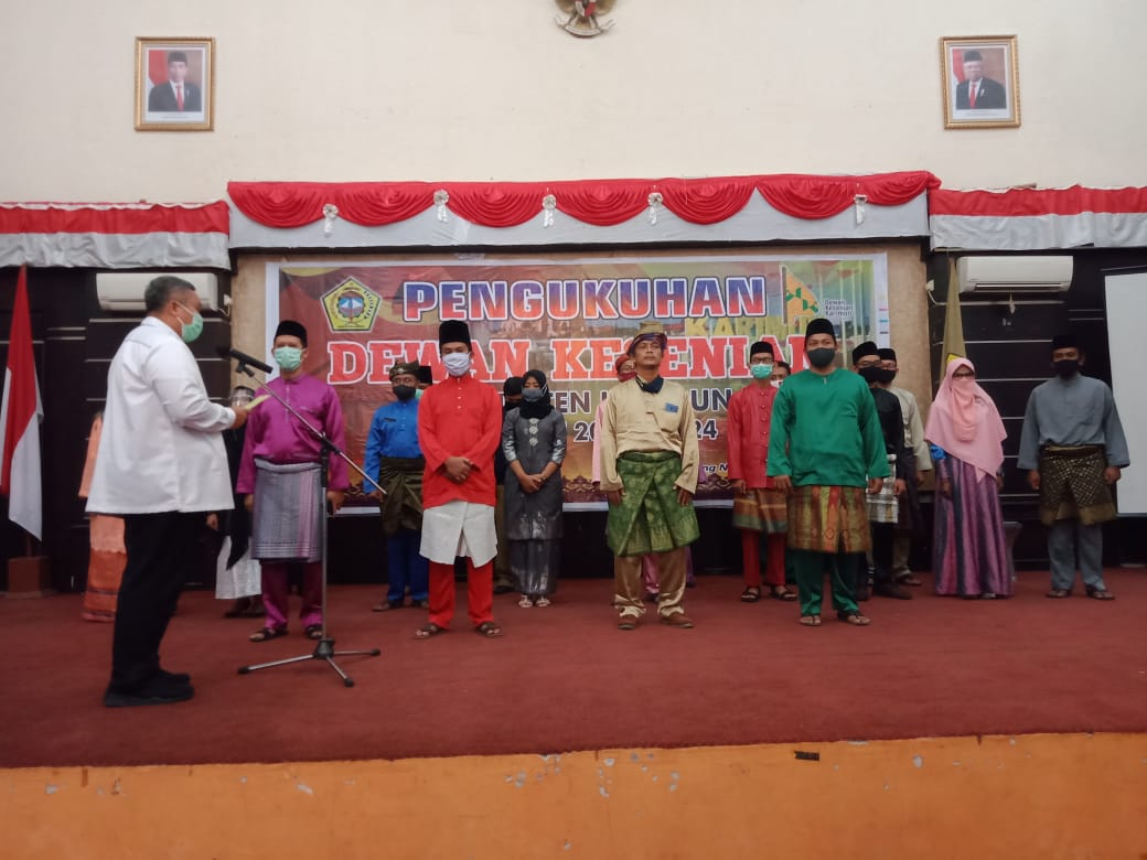 Pjs Bupati Karimun Resmi Lantik Dewan Kesenian Kabupaten Karimun Periode 2020-2024