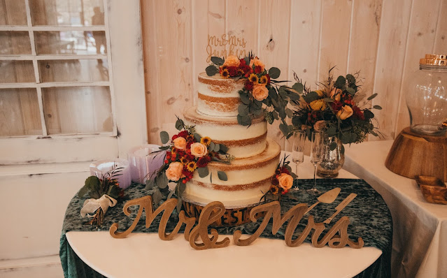 Wedding Cake with Fall Florals