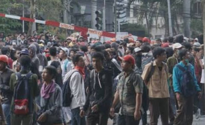 Netizen dan Ketua BEM Pertanyakan Tujuan Demo Massa Pelajar yang Banyak Ricuh