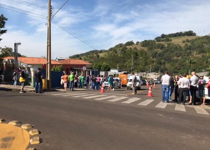 URGENTE: Adolescente invade creche e esfaqueia crianças e professores no Oeste de SC